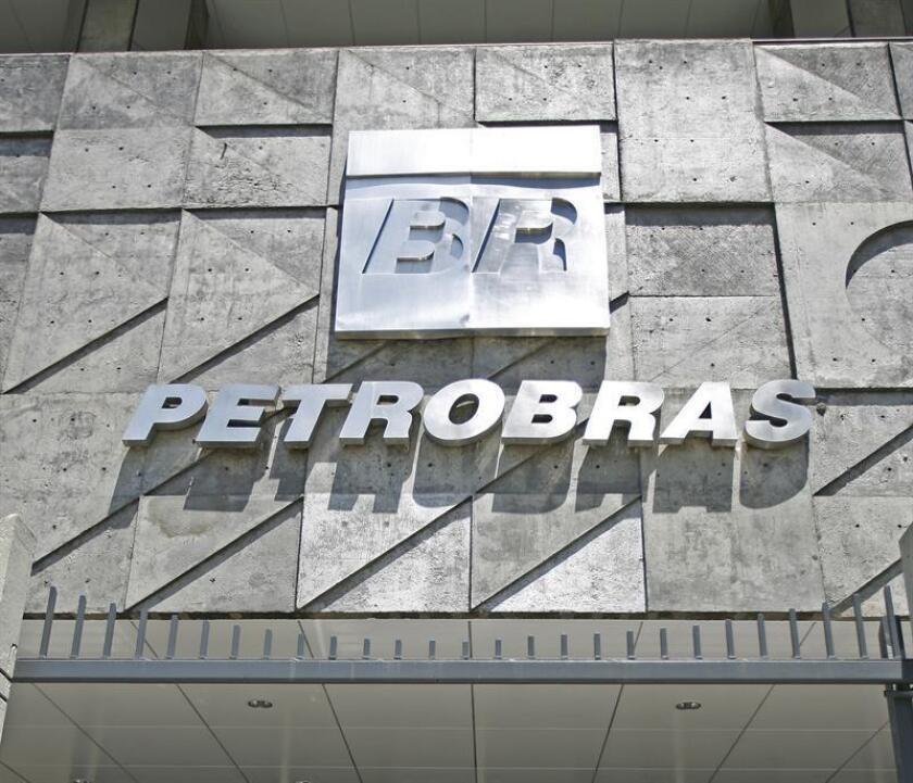 El Consejo de Administración de la petrolera aprobó la venta de la Compañía Petroquímica (PetroquímicaSuape) y de la Compañía Integrada Textil (Citepe), ambas ubicadas en el estado de Pernambuco, en favor de la mexicana Alpek por 385 millones de dólares, según un comunicado de Petrobras. EFE/Archivo