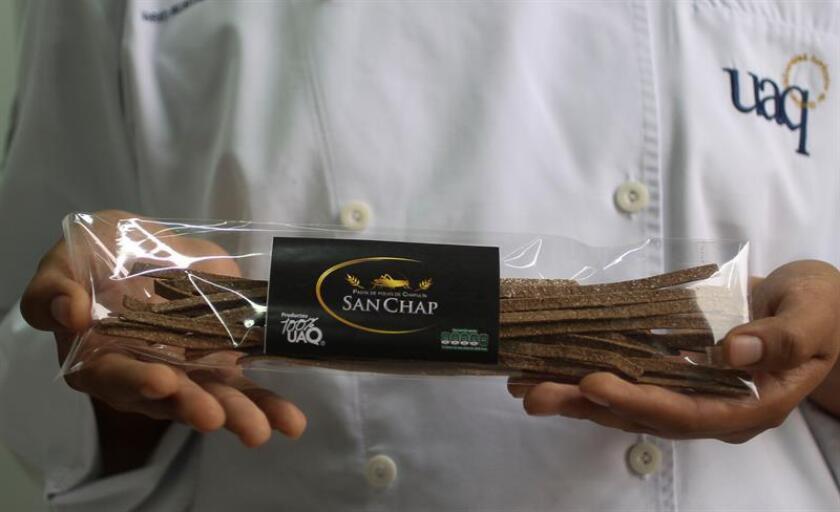 Fotografía cedida por la Universidad Autónoma de Querétaro (UAQ) hoy, lunes 12 de febrero de 2018, que muestra un paquete de sopa de pasta a base de chapulines y sémola de trigo con altos niveles de proteína elaborada por un estudiante mexicano que busca satisfacer las demandas nutricionales de la dieta mexicana, informó hoy la UAQ. EFE/UAQ/SOLO USO EDITORIAL