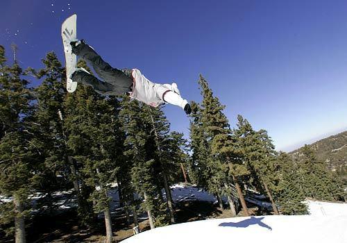 Stylish snowboarding