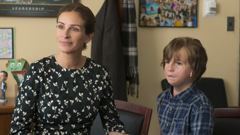 "****NON EXCLUSIVE _WONDER***** (L-R) - Julia Roberts as ""Isabel"" and Jacob Tremblay as ""Auggie"" in """
