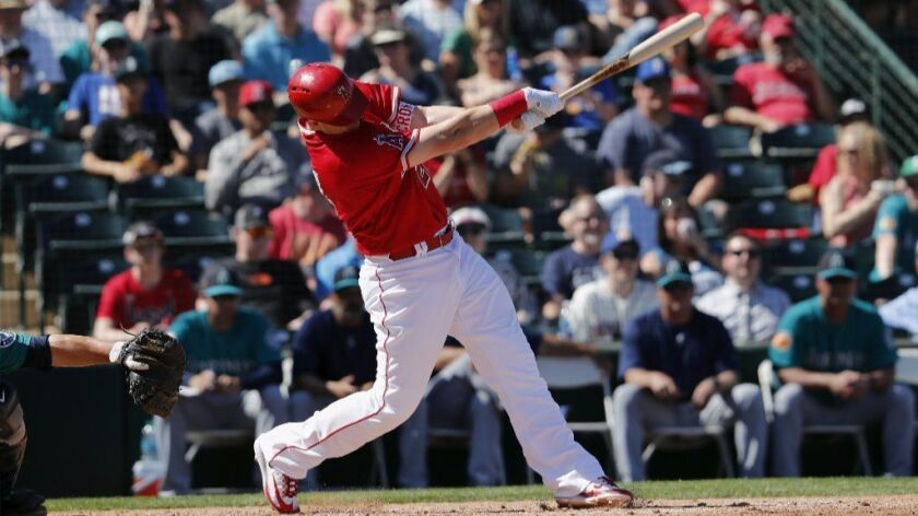 Angels can't hold off Rangers, 6-5