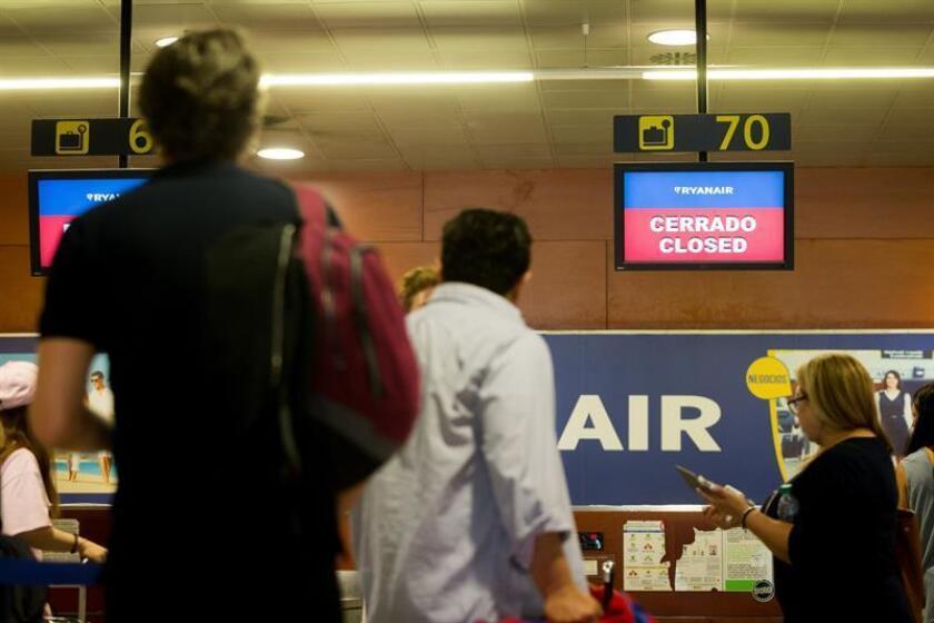 Mostradores de la aerolínea Ryanair. EFE/Archivo
