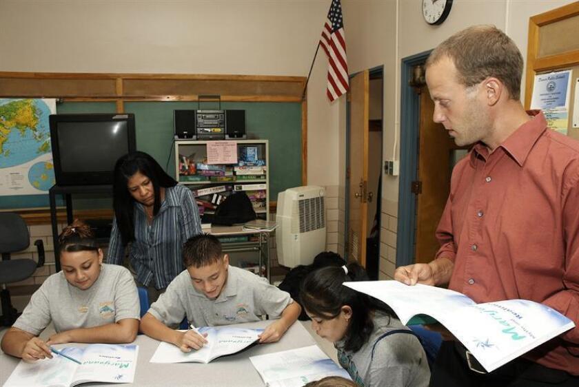 """Las Escuelas Públicas de Denver (DPS, en inglés) activaron hoy un paquete de medidas para recuperar la confianza de los maestros extranjeros luego de que se dijese que serían reportados a """"inmigración"""" si iban a la huelga. EFE/Archivo"""