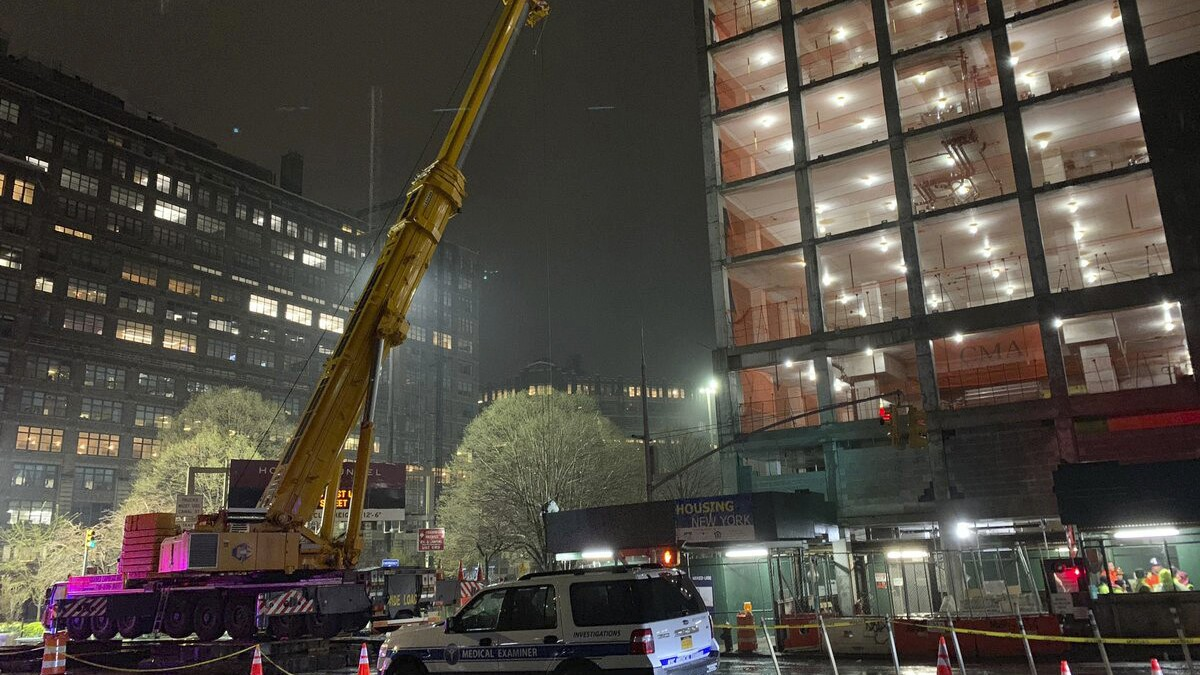 Worker killed by falling crane counterweight in NYC - The