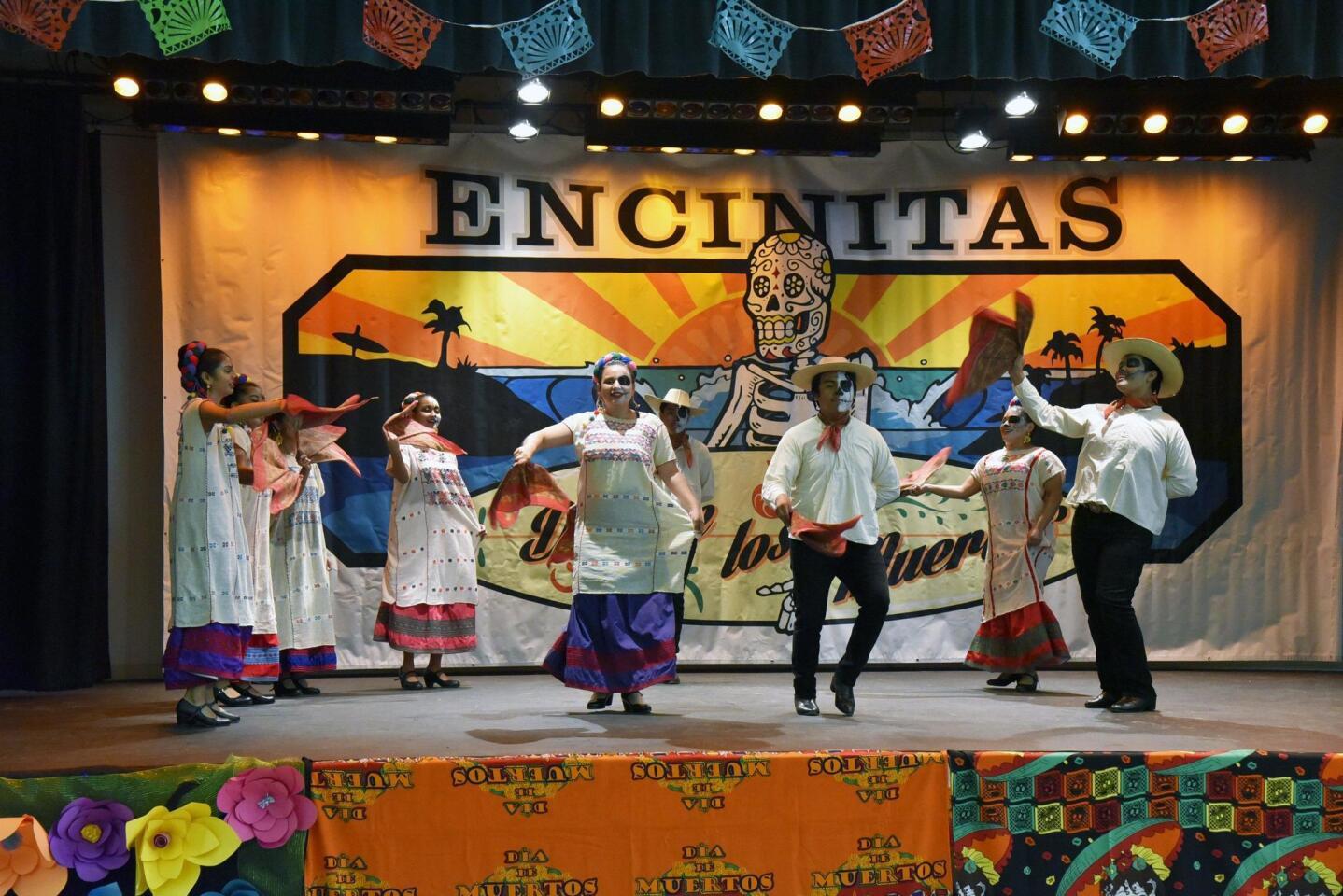 'Dia de los Muertos' held in Encinitas