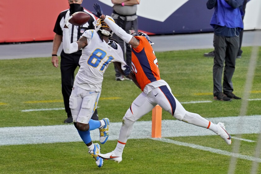 Chargers wide receiver Mike Williams pulls in a touchdown pass.