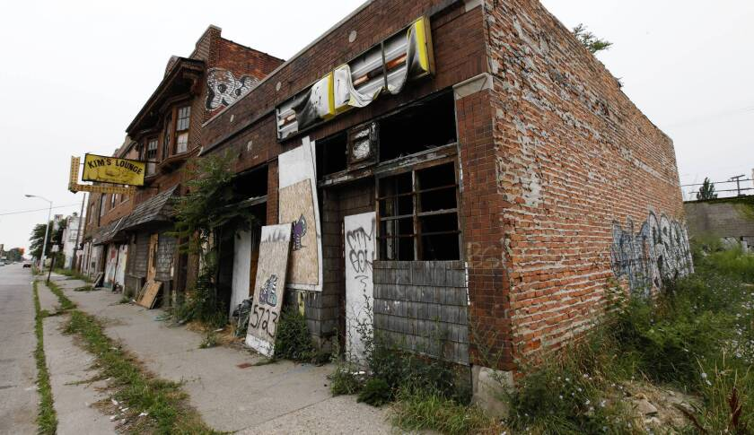 Detroit's bankruptcy filing raises legal questions for which there is no precedent, analysts say.