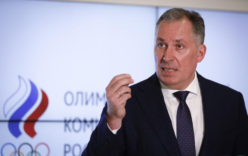 En esta foto del 25 de marzo de 2021, el presidente del Comité Olímpico Ruso, Stanislav Pozdnyakov,
