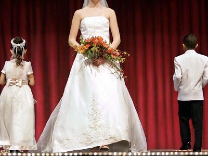 1c17weeklyM  Bridal Bazaar