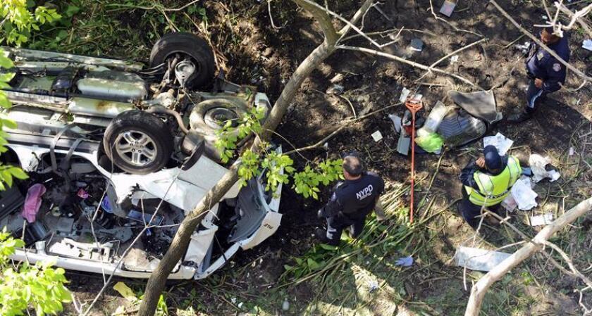 Al menos tres personas murieron hoy y cinco más resultaron heridas en un accidente de tráfico en el distrito neoyorquino de El Bronx, informaron fuentes policiales. EFE/ARCHIVO