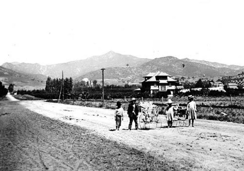 """Scene on Western Avenue, south of Sunset Boulevard, in 1906. """"California has been the most risk-taking economy and society in the nation. Maybe in the world,"""" one historian says. Since the days of the Gold Rush, the Golden State has been just that to hordes of newcomers who came to find their fortune or simply to start over."""