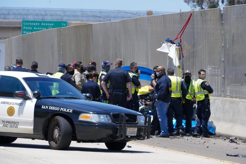Tres personas murieron, entre ellas dos agentes del Departamento de Policía de San Diego