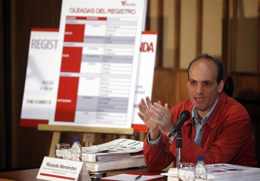 """El vicepresidente y ministro venezolano de Planificación, Ricardo Menéndez, denunció hoy la existencia de una """"guerra económica"""" contra su país y rechazó las ofertas de ayuda humanitaria que le ha hecho Naciones Unidas."""