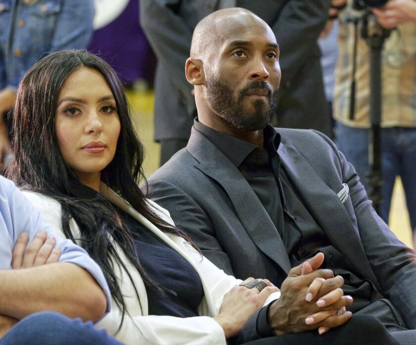 Meek Mill apologizes to Vanessa Bryant over Kobe lyrics