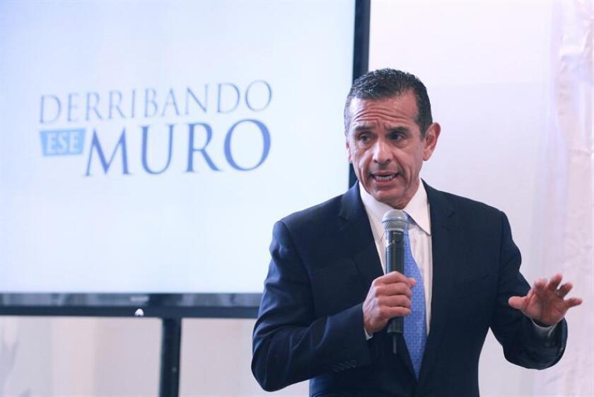 El ex Alcalde de Los Angeles, Antonio Villaraigosa, aseguró que los mexicanos son la población migrante que tiene una baja participación electoral en Estados Unidos.