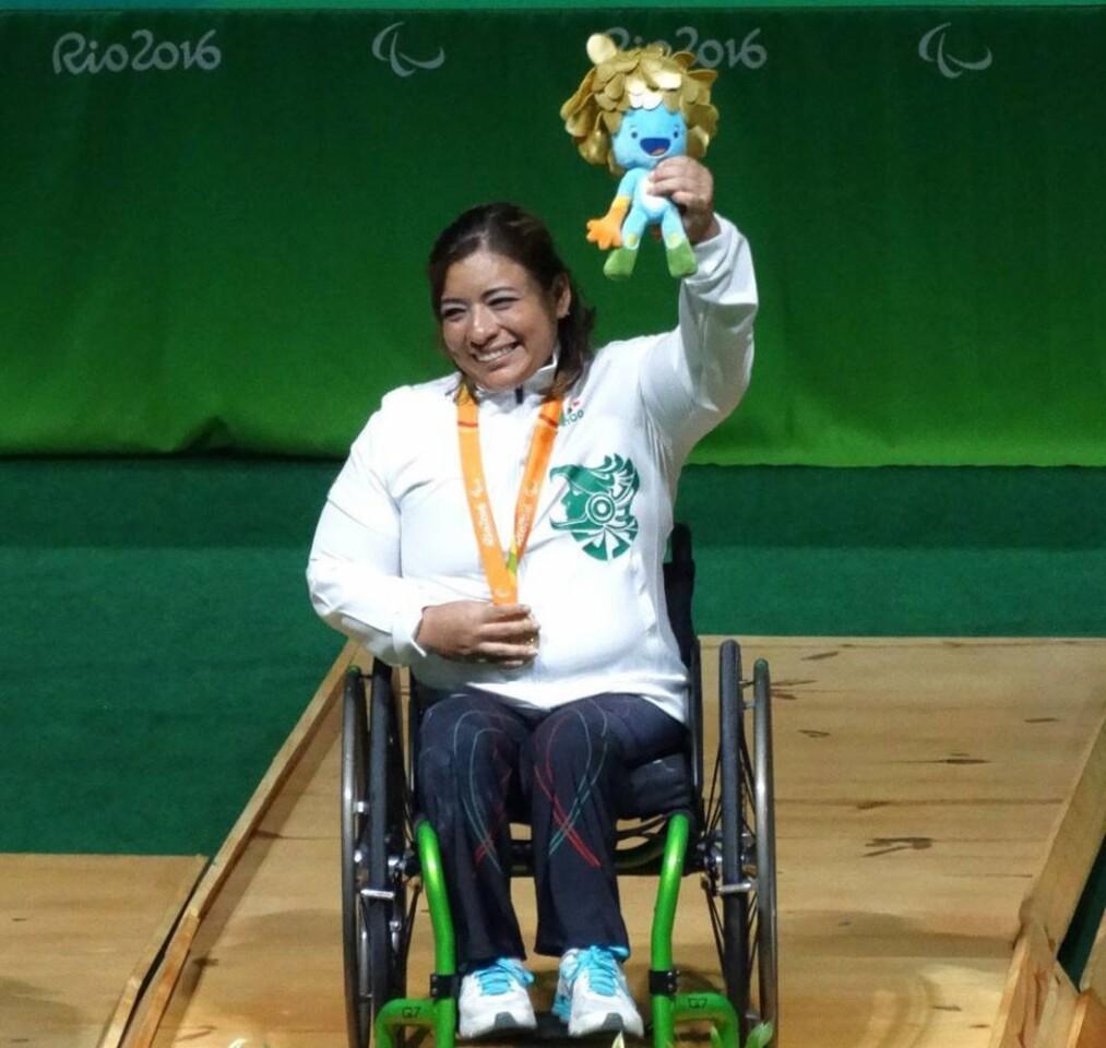La mexicana Amalia Pérez ganó medalla de oro, con récord mundial incluido de 130 kilos, en levantamiento de pesas.