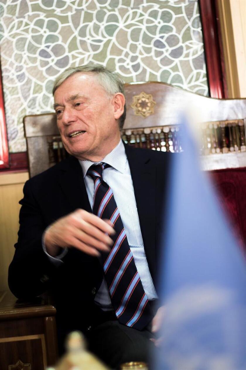 El Consejo de Seguridad de la ONU analizó hoy a puerta cerrada la situación en el Sahara Occidental, con EE.UU. apostando por prorrogar sólo por seis meses el mandato de la misión de Naciones Unidas (Minurso), mientras que Francia defendió hacerlo por un año. El enviado especial del secretario general de la ONU para el Sahara Occidental, Horst Köhler. EFE/ARCHIVO
