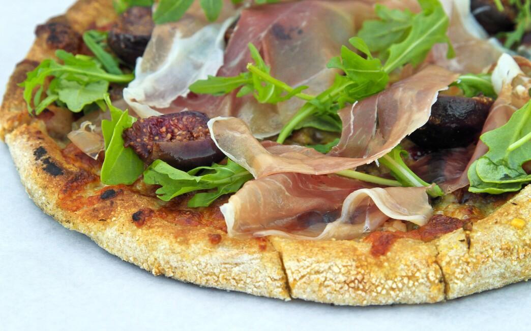 Fig and prosciutto flatbread