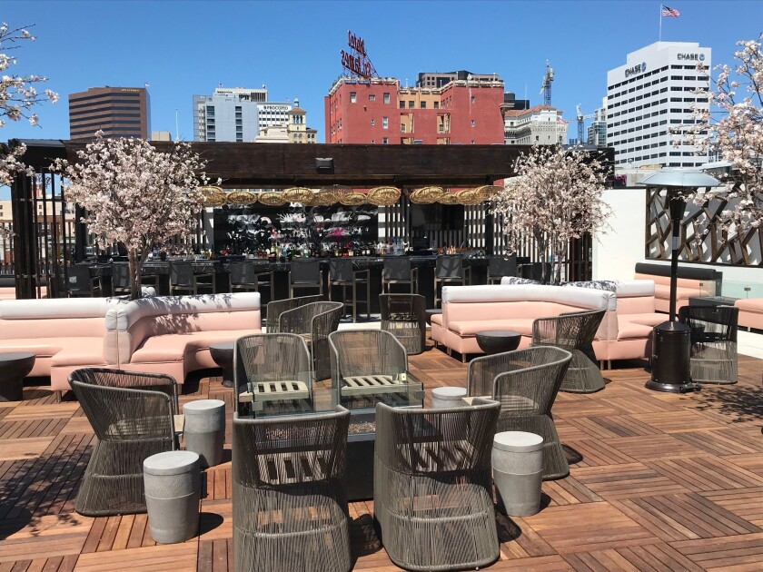 5th & Sky Rooftop Lounge