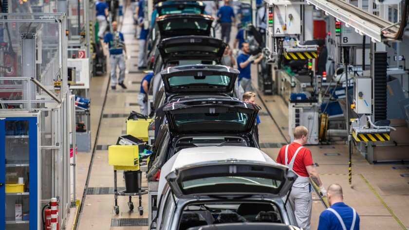 FILES-GERMANY-AUTOMOBILE-LAYOFFS-VOLKSWAGEN