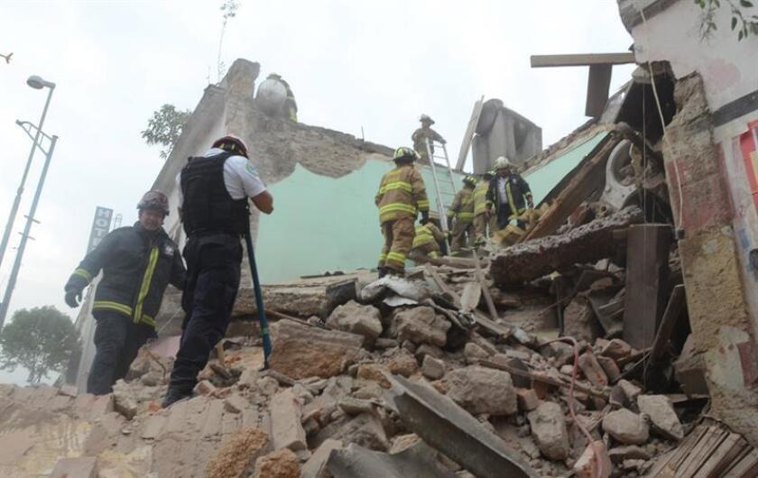 Un centro comercial ubicado en el sur de Ciudad de México sufrió hoy un derrumbe parcial, sin que por el momento se hayan reportado personas atrapadas o heridas. EFE/Archivo