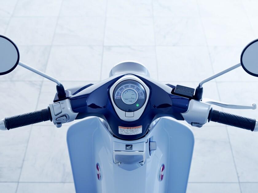 19 Honda Super Cub C125 ABS_meter.jpg