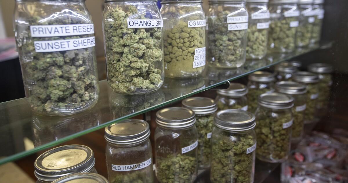 Kalifornien nutzt Minderjährige Büste illegalen Tabak-und Alkoholverkauf. Es hat nicht das gleiche getan mit Topf