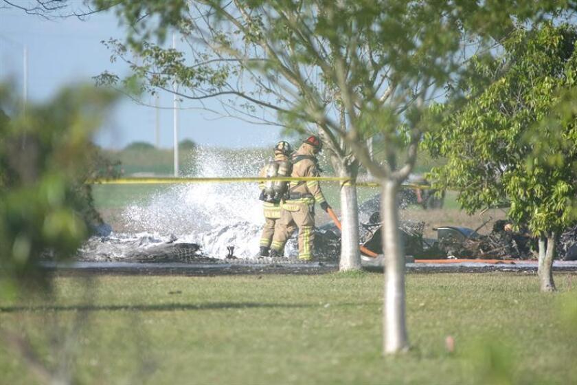 Una avioneta pequeña se estrelló hoy cerca del Aeropuerto Internacional de Daytona Beach, en el condado de Volusia (costa este de Florida), y sus dos ocupantes murieron, informaron las autoridades. EFE/Archivo