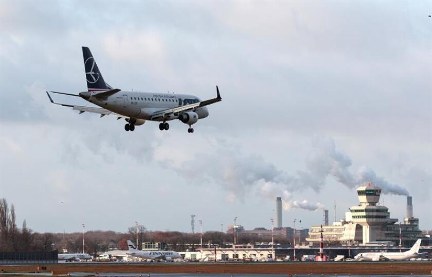 Un exalto ejecutivo del fabricante brasileño de aviones Embraer, Colin Stevens, se declaró hoy culpable en Nueva York de siete cargos de soborno y fraude, informó la fiscalía federal. EFE/ARCHIVO