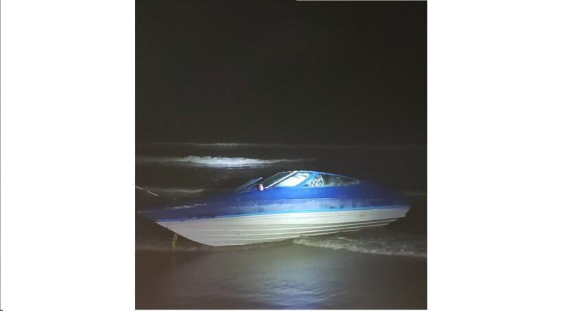 boat beached on coronado.jpg