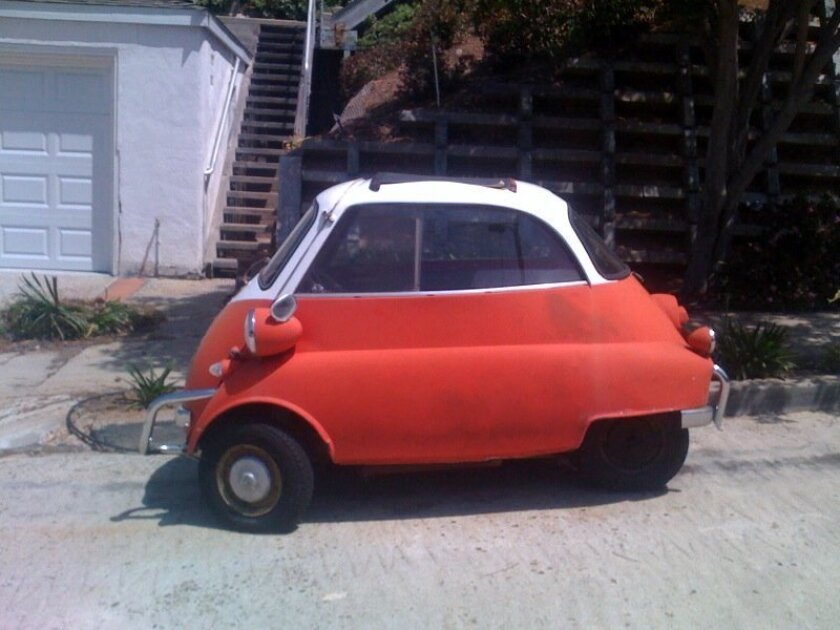 A side view of the classic Isetta. / Joe Mitchell photos