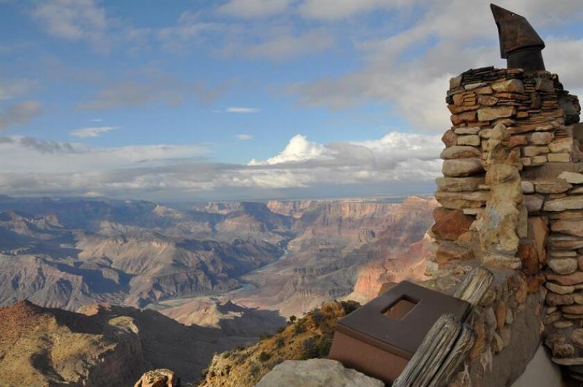 Reproducción fotográfica cedida por el Parque nacional del Gran Cañón de una vista tomada el 4 de noviembre de 2016 en el Gran Cañón de Arizona. EFE/S.Graham/Parque nacional del Gran Cañón/SOLO USO EDITORIAL/NO VENTAS