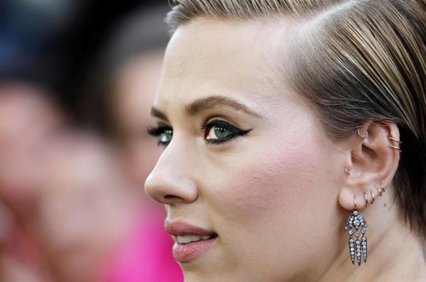 """La última controversia en este sentido llegó esta semana con el anuncio de que Scarlett Johansson protagonizará la película """"Rub & Tug"""" sobre la figura de Dante """"Tex"""" Gill, un hombre transgénero nacido como Lois Jean Gill que regentaba una red de salones de masajes en Pittsburgh (Pensilvania). EFE/Archivo"""