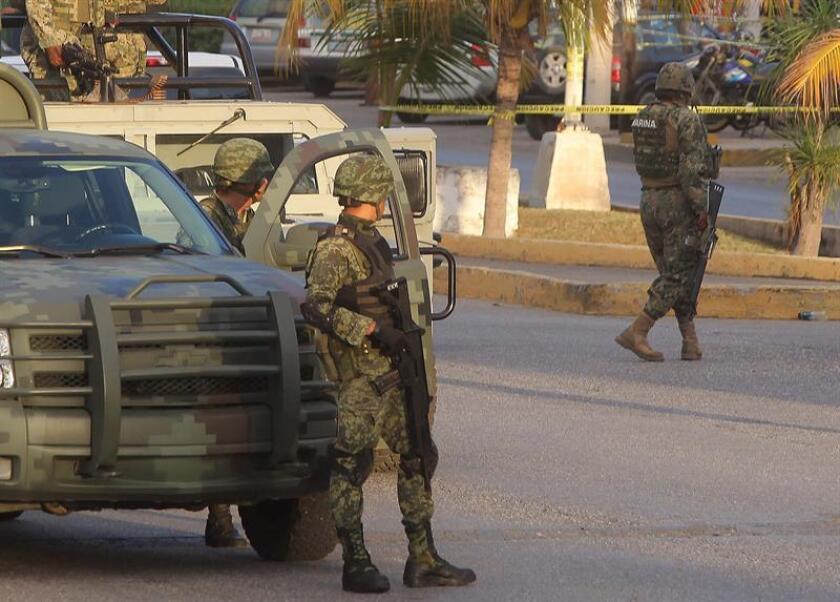 Autoridades locales localizaron en la ciudad de Cancún, situada en el estado mexicano de Quintana Roo, los cadáveres de dos hombres que la Secretaría de Marina-Armada de México reconoció como elementos navales, informó hoy la institución. EFE/Archivo