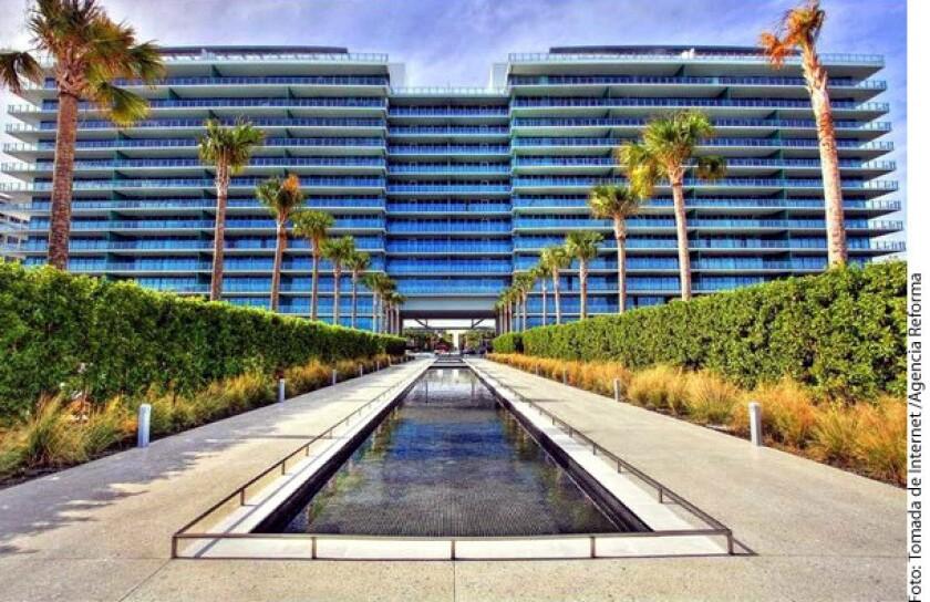 Según The Guardian, la esposa del Presidente Enrique Peña Nieto, Angélica Rivera, utiliza un departamento valuado en 2.05 millones de dólares en Miami, Florida.