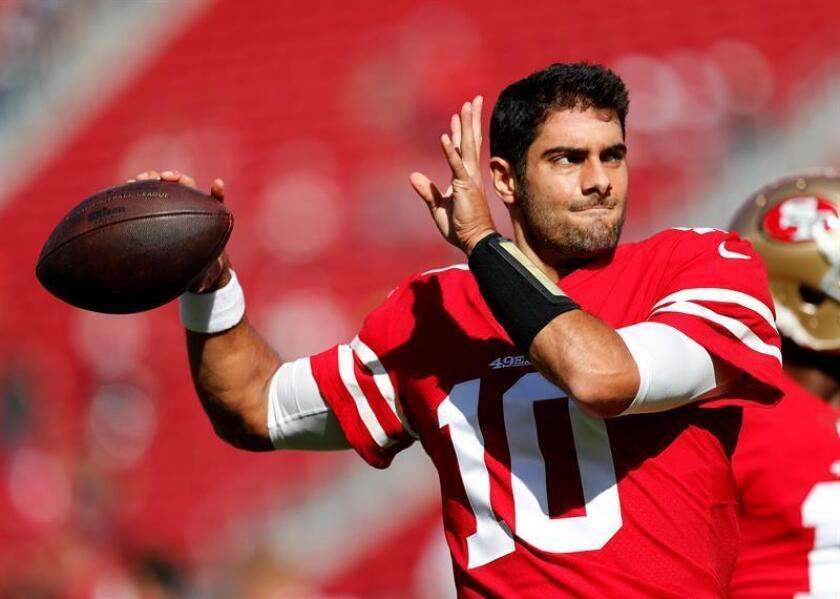 En la imagen, el joven mariscal de campo Jimmy Garoppolo, de los 49ers de San Francisco. EFE/Archivo