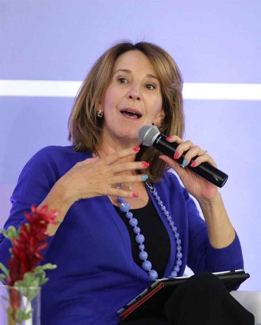 """""""Esto es ver la violencia cruda; cuando hay armas en las casas y los niños, los jóvenes, tienen acceso a ellas, eso puede suceder"""", aunque sea por """"un descuido"""" o """"no queriendo"""", refiere María Elena Morera, presidenta de la organización Causa en Común, sobre el ataque a tiros de un menor en un colegio de la ciudad de Monterrey, que ha dejado cuatro heridos y el suicidio del agresor. EFE/ARCHIVO"""