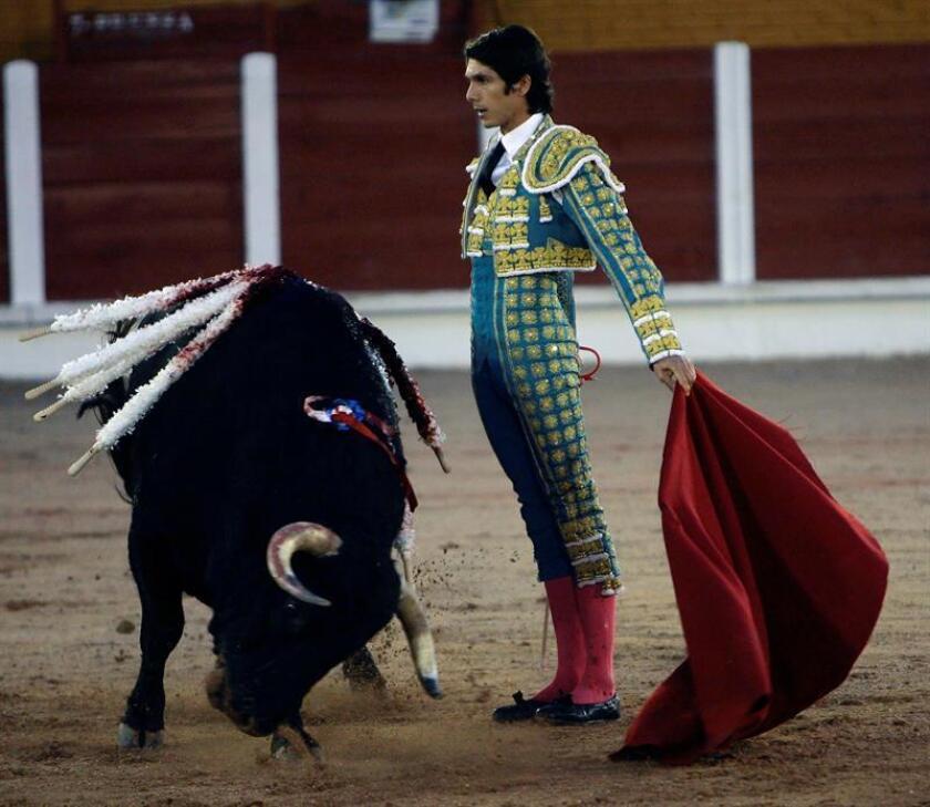 La segunda corrida de la Temporada Grande en Ciudad de México con los matadores Sebastian Castella (imagen), Ignacio Garibay y Diego Silveti tendrá mañana un doble sabor de despedida y reencuentros. EFE/ARCHIVO