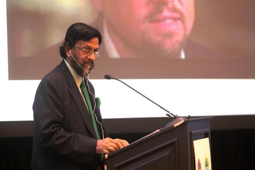 """El premio Nobel de la Paz en 2007, Rajendra Kumar Pachauri, participa durante la conferencia magistral """"El Cambio Climático y sus Impactos: la necesidad de una acción urgente"""" hoy, martes 4 de septiembre de 2018, en el balneario de Cancún en el estado de Quintana Roo (México). EFE"""