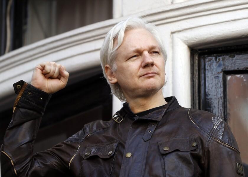 ARCHIVO - En esta foto de archivo del 19 de mayo de 2017, Julian Assange