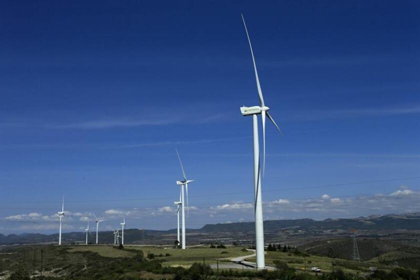 La filial mexicana del grupo español Iberdrola anunció hoy que invertirá 2.800 millones de dólares en proyectos de generación eléctrica en el país durante el periodo 2018-2022. EFE/Archivo