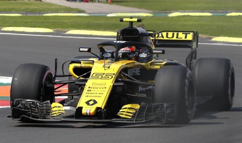 El español Carlos Sainz de Renaul Sport participa en la segunda sesión de prácticas hoy, viernes 26 de octubre de 2018, previo al Gran Premio de Formula Uno, en el Autódromo Hermanos Rodríguez, en Ciudad de México (México). EFE