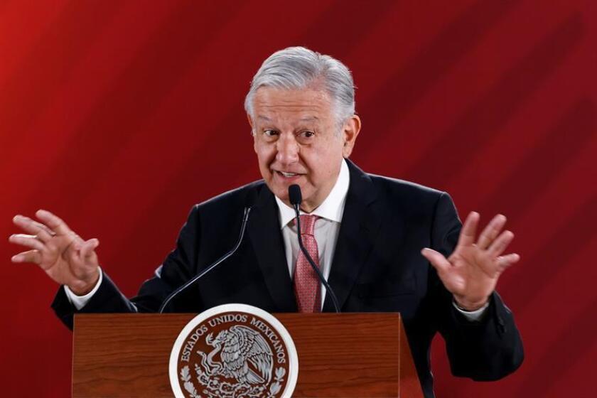 El presidente de México, Andrés Manuel López Obrador, habla en rueda de prensa este jueves, en el Palacio Nacional de Ciudad de México (México). EFE