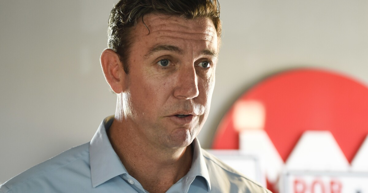 Campaign for Rep. Duncan Hunter reports spending at cigar lounge, liquor store, Trump hotel