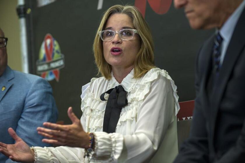 La alcaldesa de San Juan, Carmen Yulín Cruz Soto, dijo hoy que la Policía Municipal trabaja un plan especial en apoyo con la Policía Estatal y las agencias federales para disminuir la incidencia criminal en sectores de la capital, como Río Piedras y Cupey. EFE/ARCHIVO