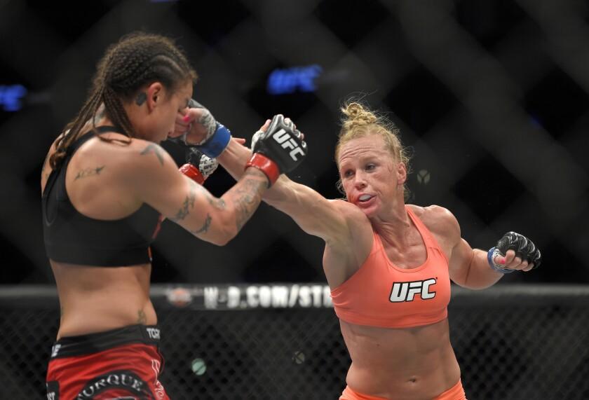 Holly Holm quiere vencer a Ronda Rousey y coronarse como la nueva reina del UFC.