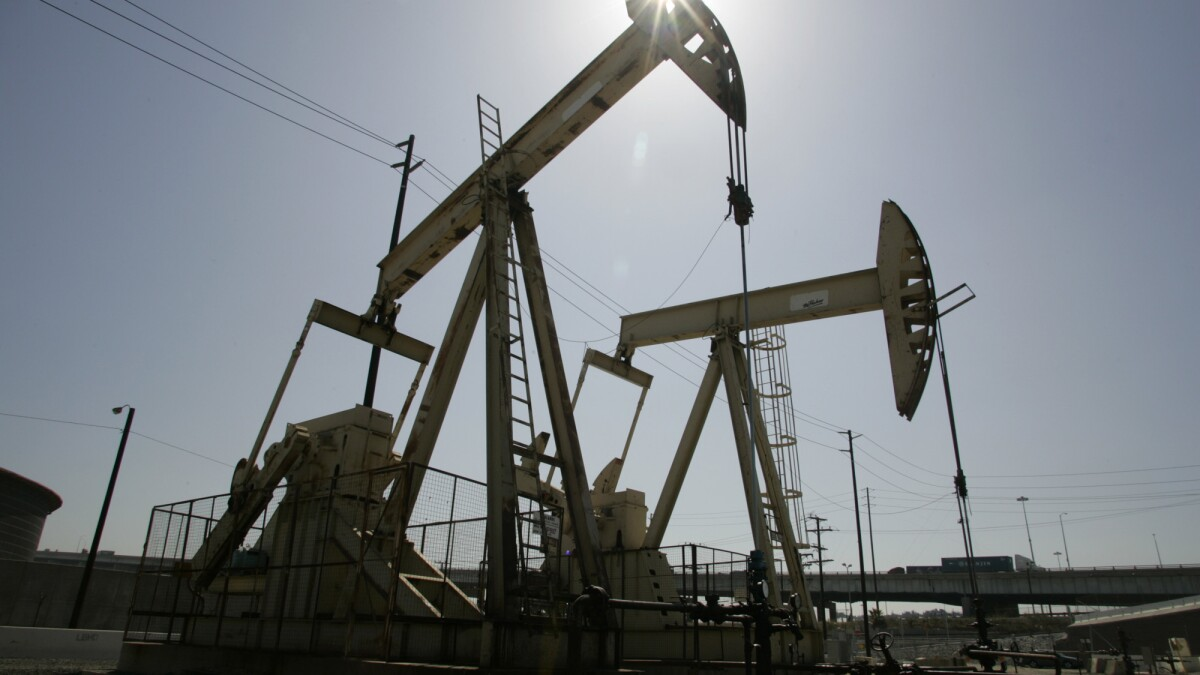 Cleanup of orphaned oil wells could cost California $500 million, new report says