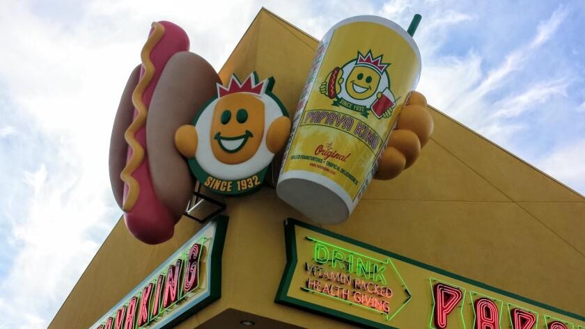 Papaya King, of New York fame, is introducing Las Vegas visitors to its skinny hot dogs and namesake papaya drinks.