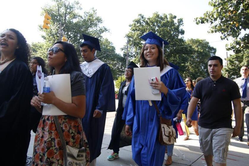 El número de estudiantes inmigrantes de segunda generación no graduados aumentó del 10 al 16 % en el período académico 2011-12 en comparación con 1999-2000, según un informe nacional publicado hoy. EFE/ARCHIVO