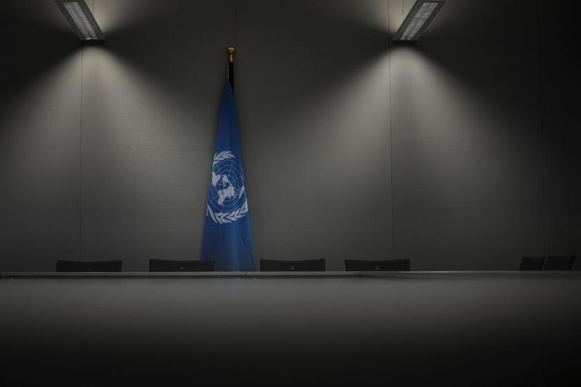 Vista de una bandera de la ONU en la sala de reuniones de la Cumbre del Clima (COP23) celebrada de Bonn (Alemania). EFE/Archivo